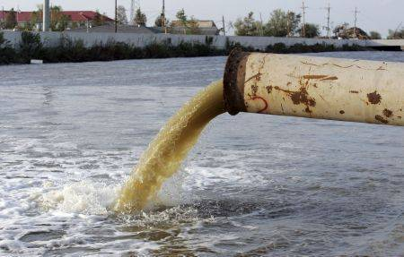 Кому жаловаться на ржавую воду. Ржавая горячая вода из крана: возможные причины и куда жаловаться